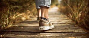 1日何歩歩いたら健康的なのか?
